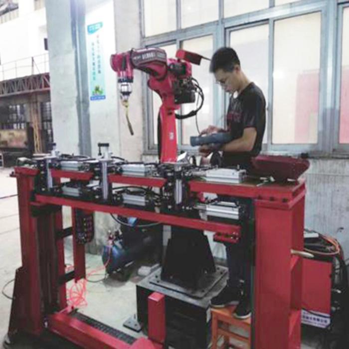 上海大众LAVIDA后盖铰链焊接