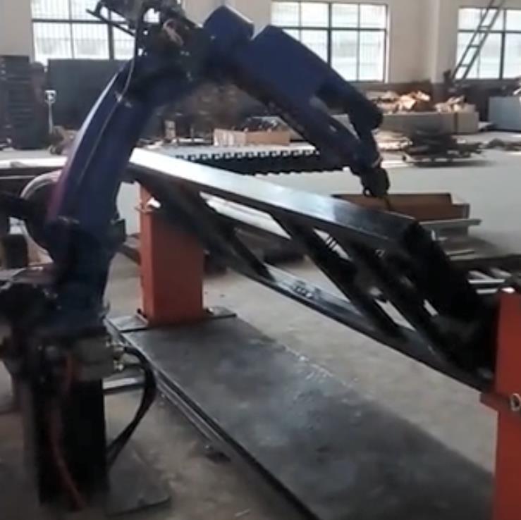 双变位机联动焊接